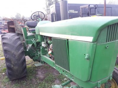 Tractor Jhon Deere 2420. Funcionando. Consultas al 011 15 41874049