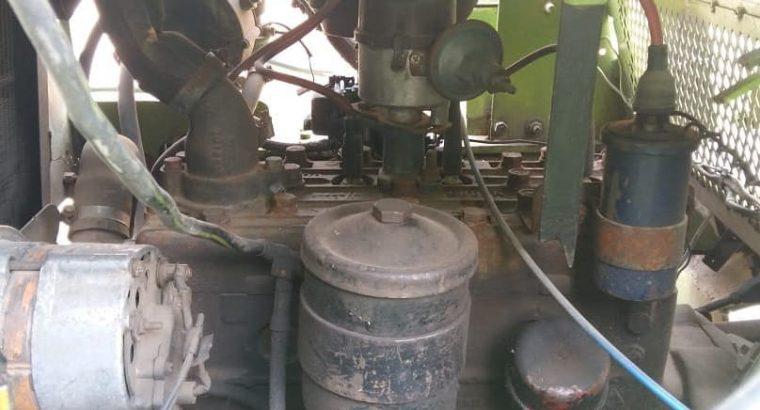 Autoelevador clark para 2 1/2 toneladas naftero con equipo de gas instalado y funcionando