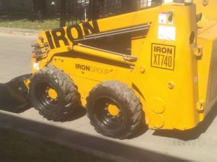 Vendo o permuto minicargadora Iron xt740