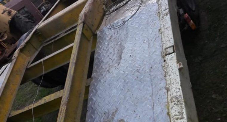 Carretón tipo acoplado hasta 20 toneladas… uso interno.