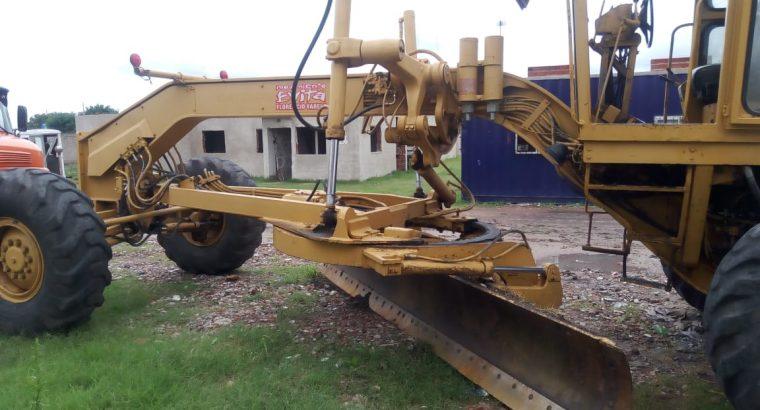 Motoniveladora Caterpillar 140h