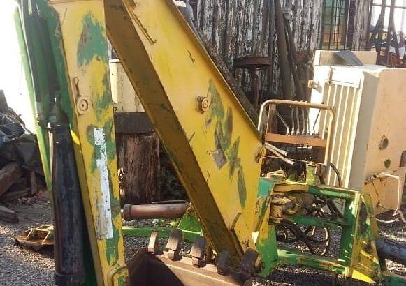 Retro marca Deutz para aplicar a tractor. Completa. muy buen estado. muy poco uso.