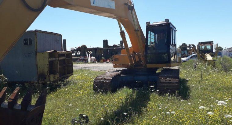 Excavadora Hyundai 210 SOBRE ORUGAS