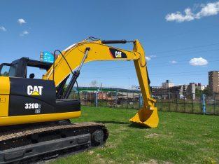 Excavadora Caterpillar 320D2 año 2015