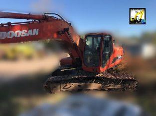 Excavadora sobre orugas Doosan 225