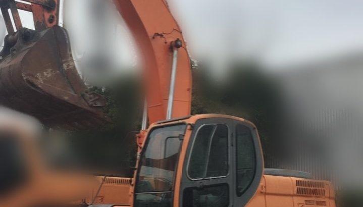 Retro excavadora Doosan 225