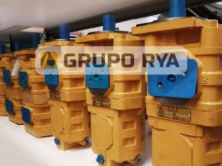 Bomba hidráulica doble 6 estrías pala cargadora // Grupo RYA