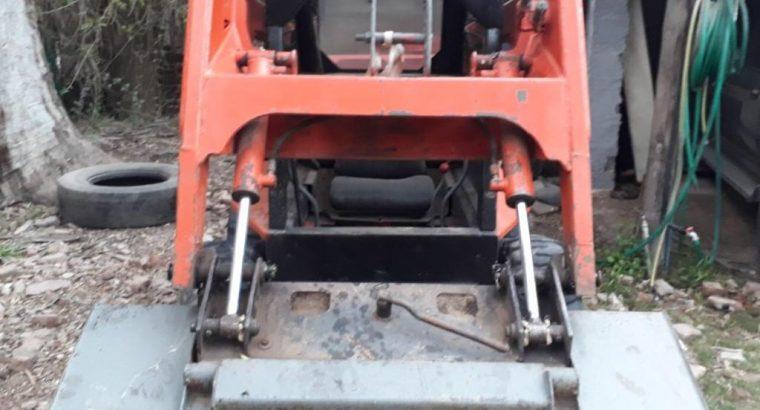 Mini cargadora Thomas Americana