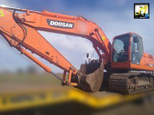 Excavadora sobre orugas Doosan dx225