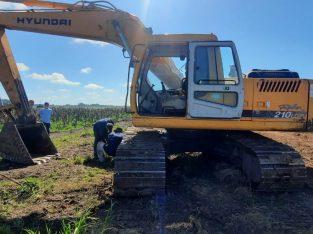 Excavadora sobre orugas Hyundai 210 LC